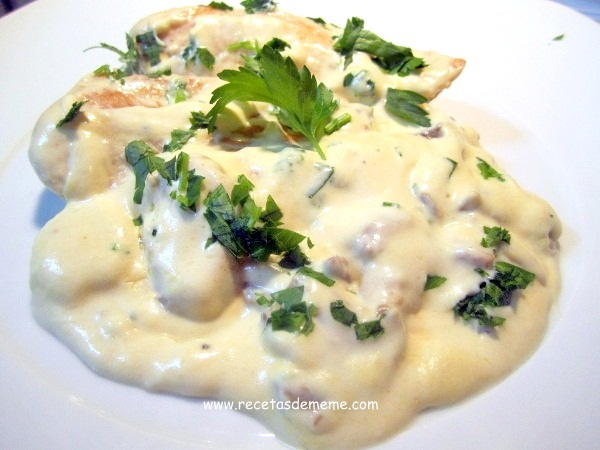 Pechugas de pollo con salsa de queso locos x la parrilla - Como hacer salsa de nata ...
