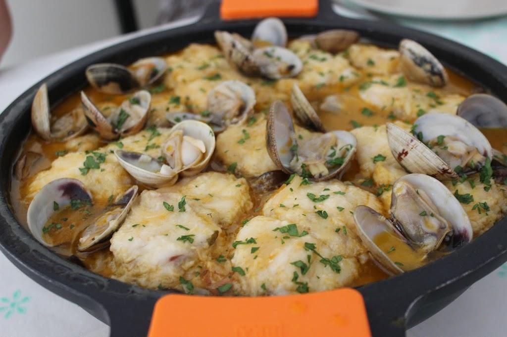 Receta pescado al horno con almejas locos x la parrilla for Como cocinar pescado al horno