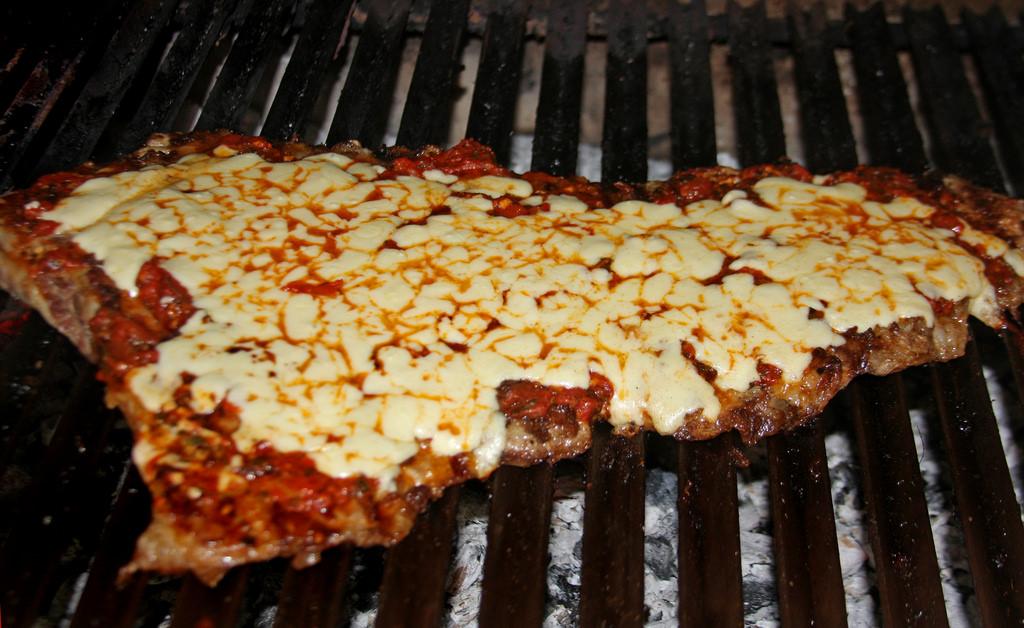 matambre-a-la-pizza-a-la-parrilla-receta-salsa-locosxlaparrilla-5